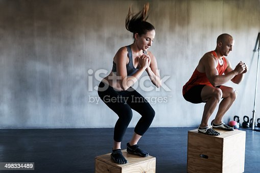 Shot of a two young people doing jumping on boxes in a sparse gymhttp://195.154.178.81/DATA/i_collage/pi/shoots/783431.jpg