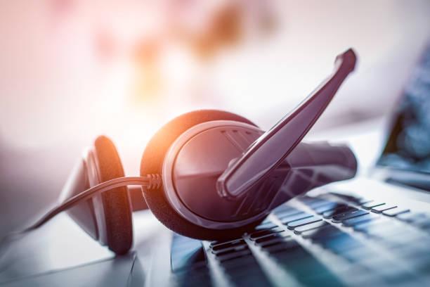 コミュニケーション支援、コール センター、カスタマー サービス ヘルプ デスク。 - コールセンター ストックフォトと画像