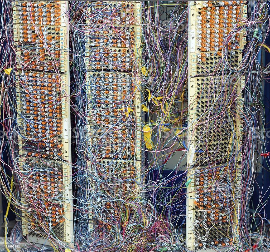Comunicação Wire confuso, linhas de telefone - foto de acervo