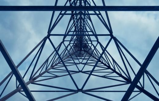 Torre Delle Telecomunicazioni - Fotografie stock e altre immagini di Acciaio