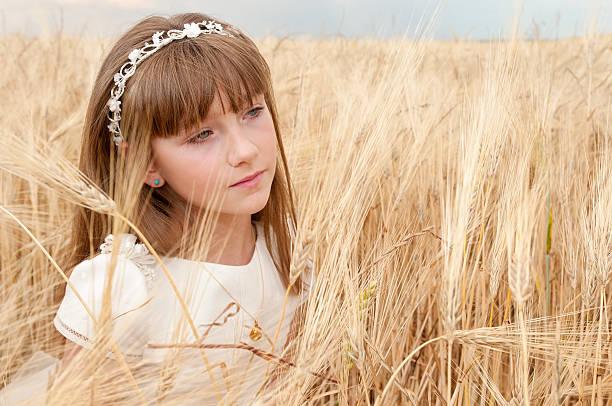 성찬식 여자아이 스톡 사진