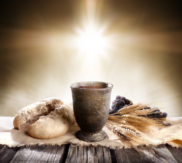 communion - unleavened bread chalice of wine - communion stock pictures, royalty-free photos & images
