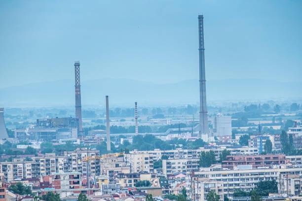 Kommunistisches stadtplanerischer Erbe prägt noch Teile der ansonsten charmanten Stadt Plovdiv, Bulgarien – Foto