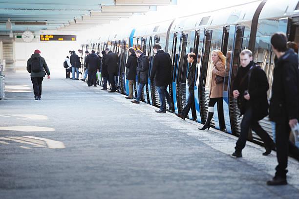 commuters exiting subway train - tunnel trafik sverige bildbanksfoton och bilder