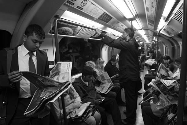 Commuters in London underground​​​ foto