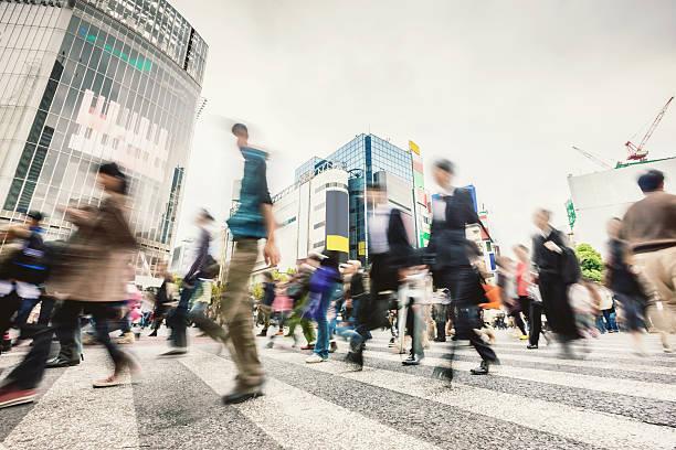 通勤者、日本東京渋谷スクランブル交差点 - 雑踏 ストックフォトと画像