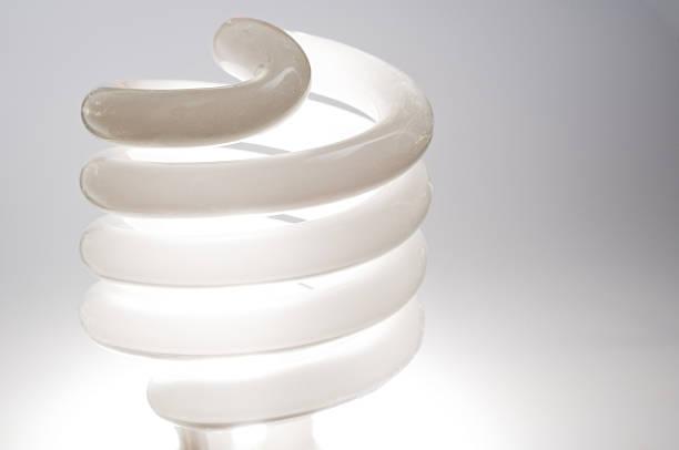 kompakte fluroescent glühbirne - mark tantrum stock-fotos und bilder
