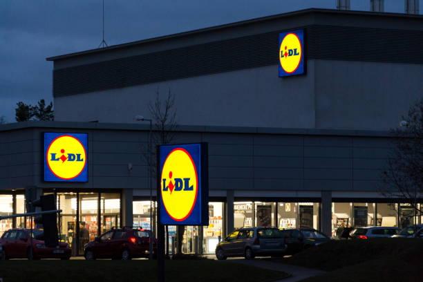 LIDL Firma logos oni Supermarkt der deutschen Kette, Teil der Schwartz Gruppe – Foto