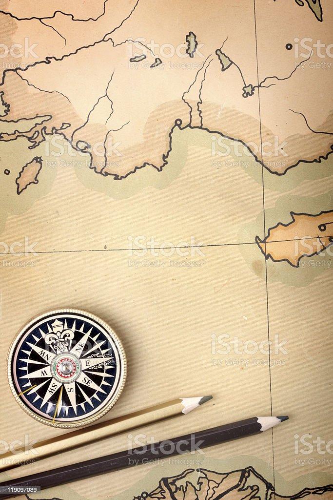 Bússola e lápis no mapa - foto de acervo
