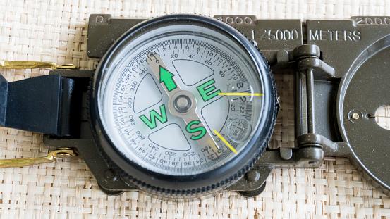 Compass Navigation Guide For Travel - Fotografias de stock e mais imagens de Antiguidade