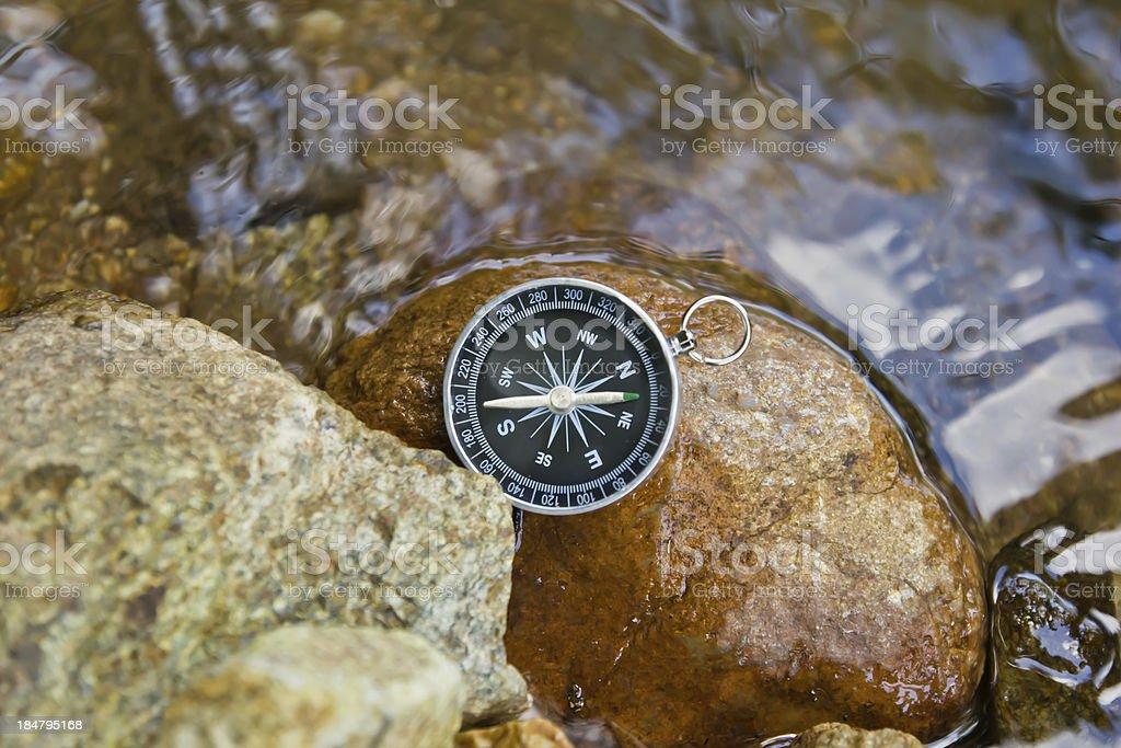 Kompass auf dem rock – Foto
