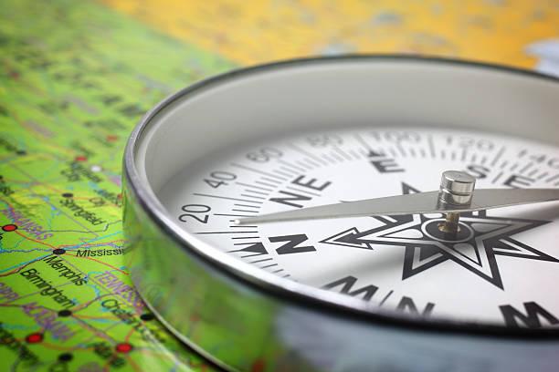 compass - kompass wanderkarte stock-fotos und bilder