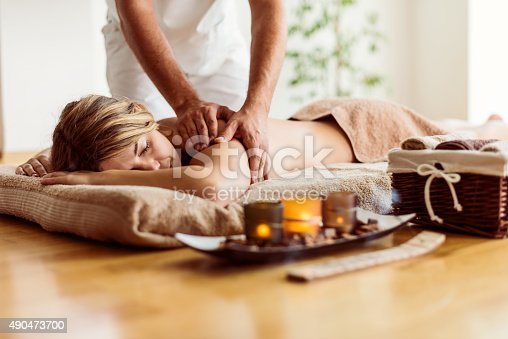 525211834istockphoto Complete spa relaxation 490473700