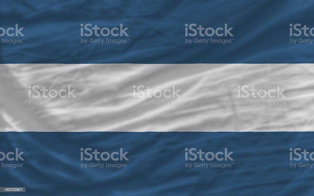 Completar saludó bandera nacional de el salvador para el fondo - foto de stock