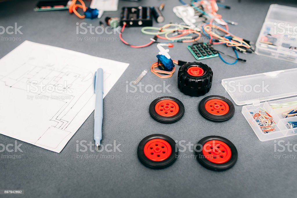 Components and scheme of constructing car at home foto royalty-free