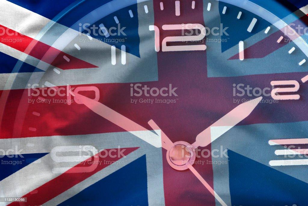 Composite Image der britischen Flagge und einer Uhr – Foto
