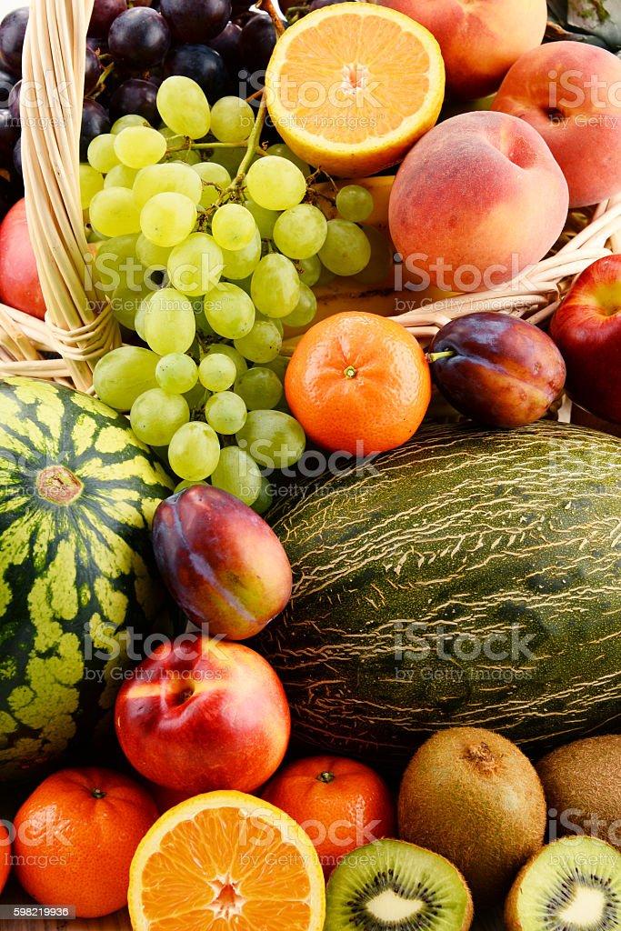 Composição com frutas sortidas foto royalty-free