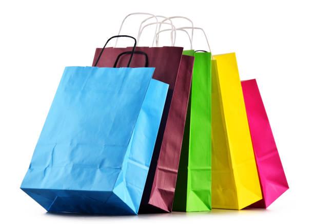 다채로운 종이 쇼핑백으로 구성 - 쇼핑백 뉴스 사진 이미지