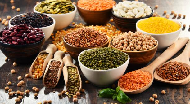 kompozycja z różnymi składnikami wegetariańskimi - fasola zdjęcia i obrazy z banku zdjęć