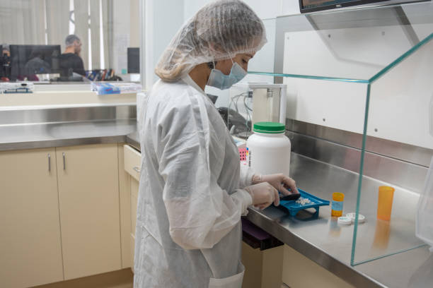 compounding pharmacy - pharmaceutical compounding stock photos and pictures