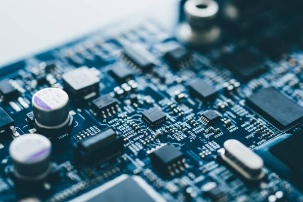 płyta komputerowa sprzęt płyty głównej microelectronics server układ procesora układ półprzewodnikowy obwód rdzeń niebieski technologia tło lub niebieska tekstura z procesorami koncepcji urządzenia elektronicznego - przemysł elektroniczny zdjęcia i obrazy z banku zdjęć