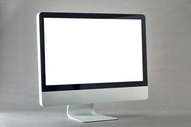 apparaît sur l'ordinateur avec un écran blanc vide isolé sur gris fond - pc photos et images de collection