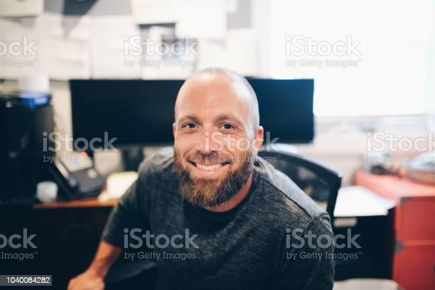 Computer guy picture id1040084282?b=1&k=6&m=1040084282&s=612x612&h=lcvqapvhgu6yrx2 deoyybmkkj pg5gmbyb iaywlsg=