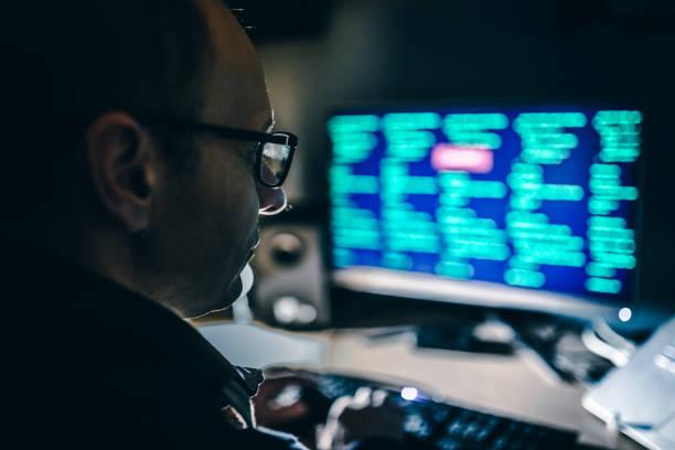 computer hacker - spionage en toezicht stockfoto's en -beelden