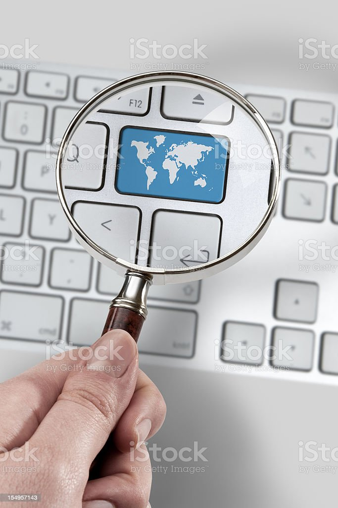 Magnifying glass focused on the map button.
