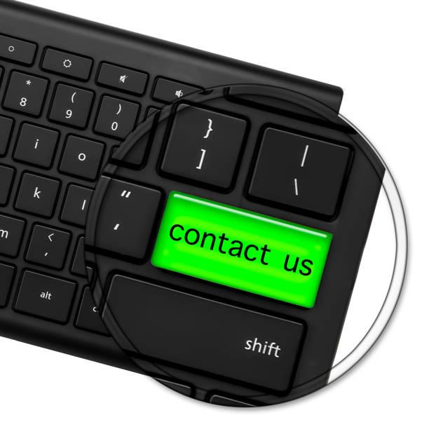 computer-tastatur mit den worten kontaktieren sie uns, auf eine helle glänzende grüne taste. kontakt button. 3d - kostenlose webseite stock-fotos und bilder