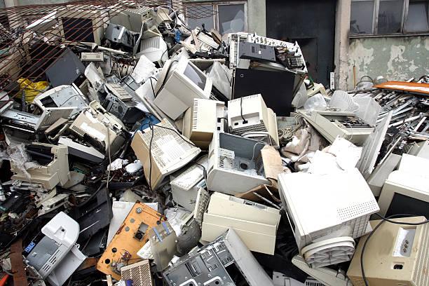 Peças de computador para reciclagem eletrônico - foto de acervo