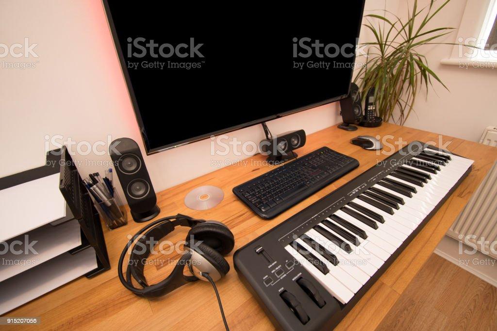 Ordinateur mis en place pour composer de la musique avec un
