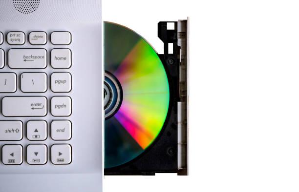 computer mit offenem fach auf verschwommenem hintergrund. - desktop hintergrund hd stock-fotos und bilder