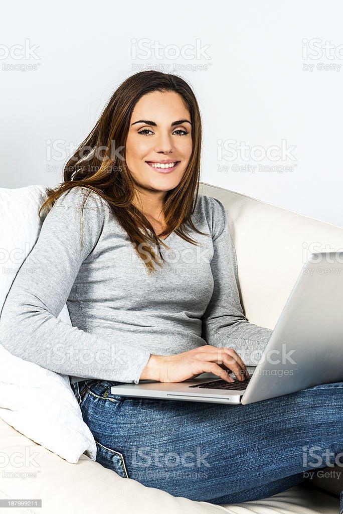 Mujer de computadora - foto de stock