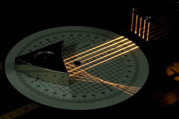 concave miroir expérience scientifique - concave photos et images de collection