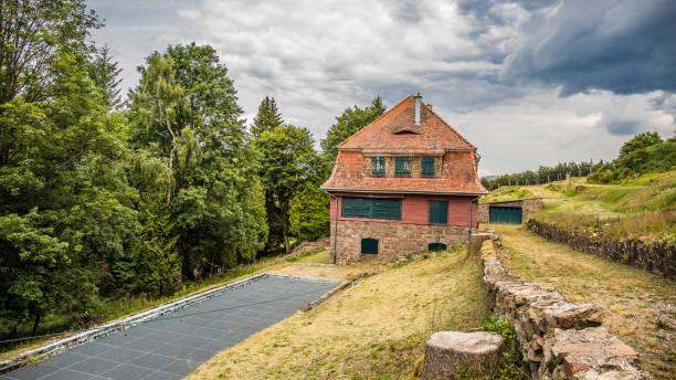 kz natzweiler struthof: lagerkommandantenvilla - andreas haas stock-fotos und bilder