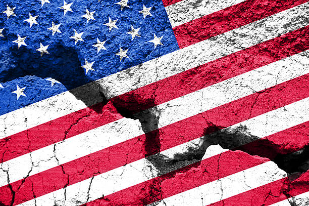 concept, american flag on cracked background - kloof stockfoto's en -beelden