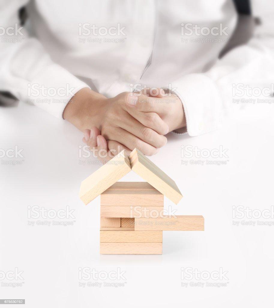 concept de maison de à la main photo libre de droits