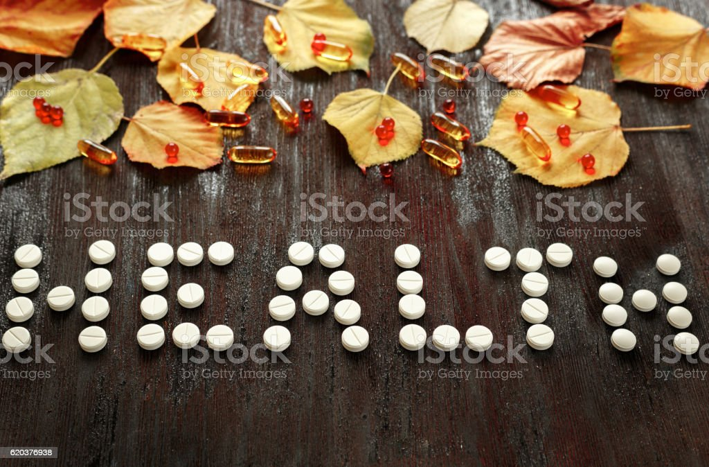 concept health - treatment with hot tea, medicine top view foto de stock royalty-free