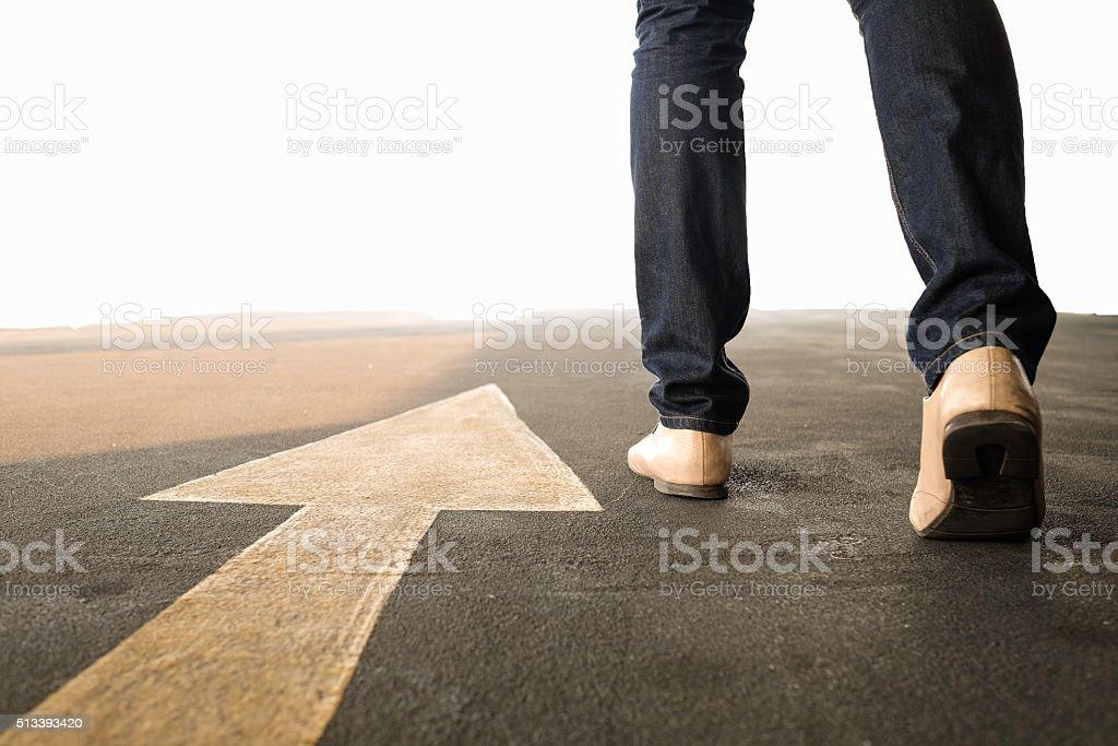 Konzept der Mann folgt den richtigen Weg - Lizenzfrei Anfang Stock-Foto