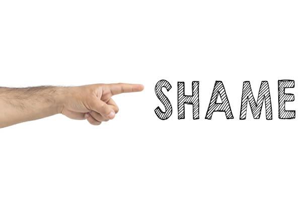 concepto de persona culpable de la acusación. concepto de vergüenza. mano apuntando con el dedo índice vergüenza - vergüenza fotografías e imágenes de stock