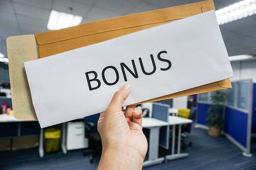 Concept Of Employee Bonus - Fotografie stock e altre immagini di Adulto