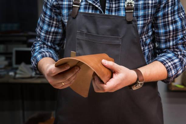Konzept der handgefertigten Handwerklichen Herstellung von Lederwaren – Foto