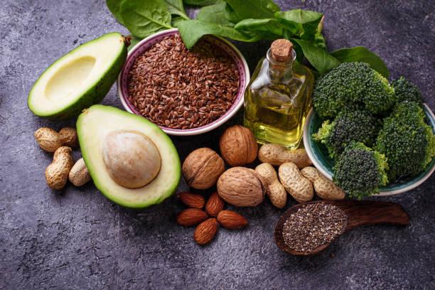 concepto de comida sana. fuentes de grasa vegana - omega 3 fotografías e imágenes de stock
