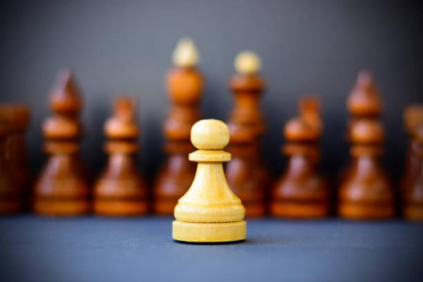 Konzept von Führung, Erfolg, Motivation. Schachfiguren auf dem Brett. – Foto