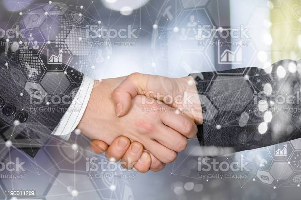 Concept of partnership and cooperation in the network picture id1190011209?b=1&k=6&m=1190011209&s=612x612&h=mzde381honf1p6h9loquftrqpicm ezje0fybpg 4y8=