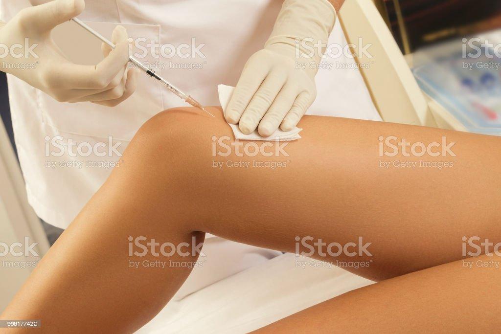 Concepto de piel rejuvenecimiento o articulación dolor tratamiento - foto de stock