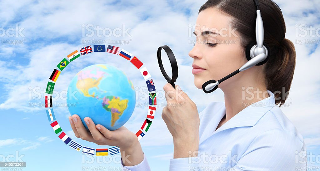 concept search, woman with headset, globe, flags and magnifying glass – Foto