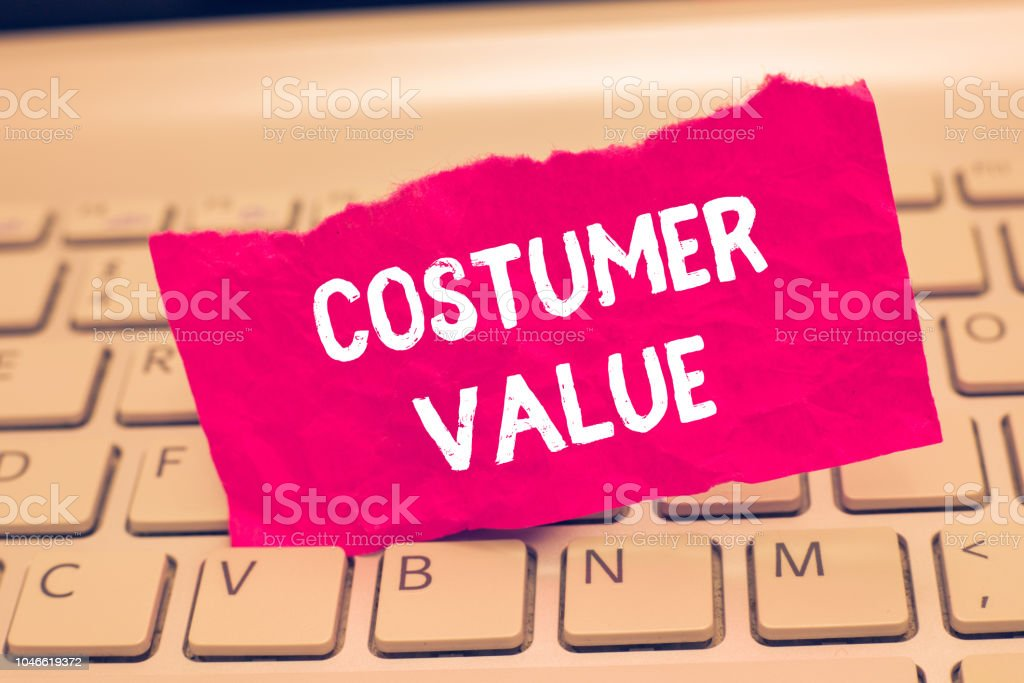 Conceptual hand writing showing Costumer Value. Business photo text Amount of benefits which clients get from purchasing products – zdjęcie