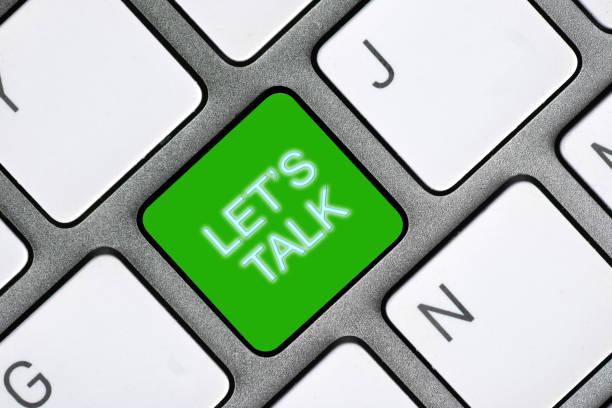 konzeptuelle handschrift, die lets talk zeigt. - feedback stock-fotos und bilder